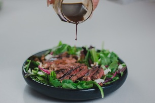 Mixed Greens Salad with Grilled Ribeye and Candied Pecans