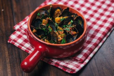 Drunken Mussels with Spicy Chorizo Broth